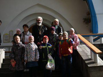 Воспитанники Дома-интерната № 2 посетили храм святого праведного Иоанна Кронштадтского на Кроштадтской площади