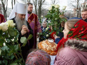 Всенощное бдение в храме святого праведного Иоанна Кронштадтского возглавил митрополит Санкт-Петербургский и Ладожский Варсонофий