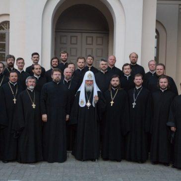 Хор духовенства Санкт-Петербургской митрополии поздравляет с праздником Святой Пасхи прихожан храма святого праведного Иоанна Кронштадтского