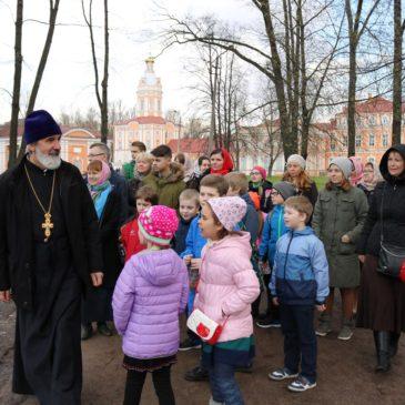 Воскресная школа храма святого праведного Иоанна Кронштадтского посетила Санкт-Петербургскую Духовную Академию