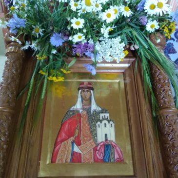 24 июля в храме святой равноапостольной великой княгини Российской Ольги в Дудергофе отметили престольный праздник