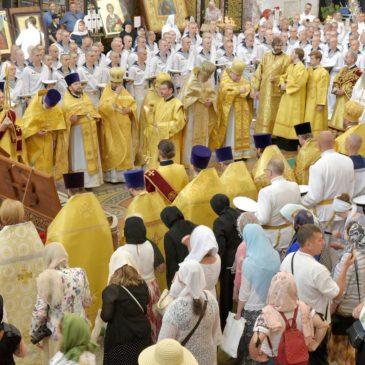 Божественная литургия в Морском соборе г. Кронштадта