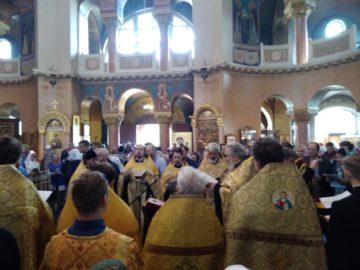 Милостью Божиею молебен у мощей святителя Спиридона Тримифунтского